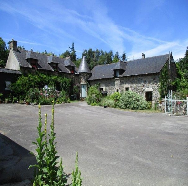 What a find! this charming 2 bed. Gite in the countryside!, vacation rental in Reguiny