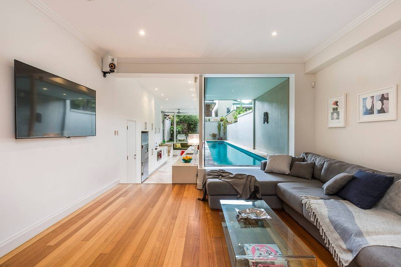 Stylish 3 Bedroom Pool House in Surry Hills, vacation rental in Marrickville