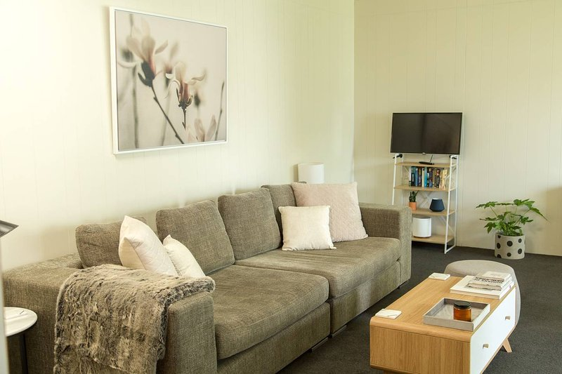 Two Bedroom Gem, Short Drive to MONA, holiday rental in Derwent Park