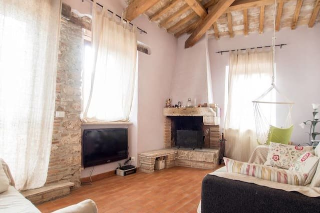LAKE VIEW PENTHOUSE WITH TERRACE, vacation rental in Province of Rieti