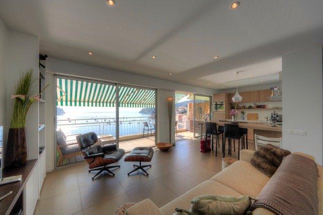 Designer modern apartment with a view !, location de vacances à Villefranche-sur-Mer