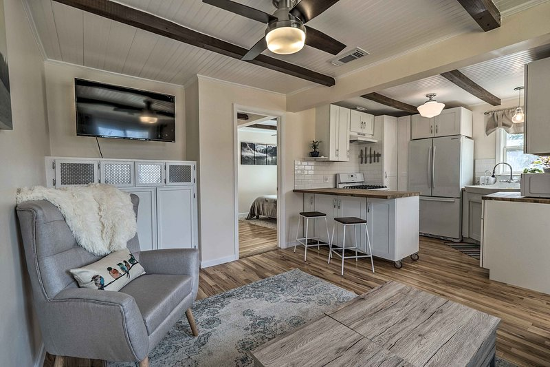 Your Lone Star State getaway awaits at this modern 1-BR, 1-BA vacation rental.