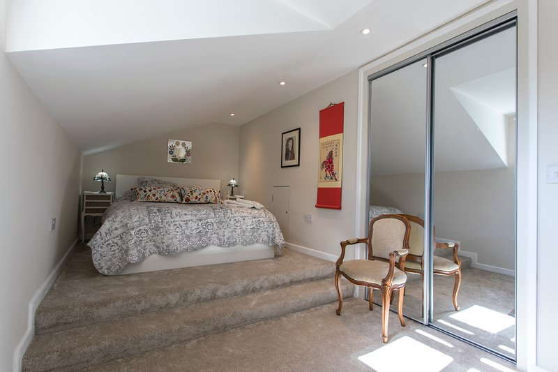 Bedroom - with king sized bed.