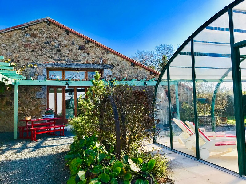 La Blatière THE STABLES all year heated pool,rural setting close to it all, holiday rental in Scille
