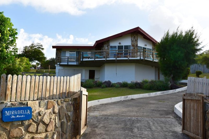 Mirabella: Lovely Hilltop Home, holiday rental in Gorda Peak National Park