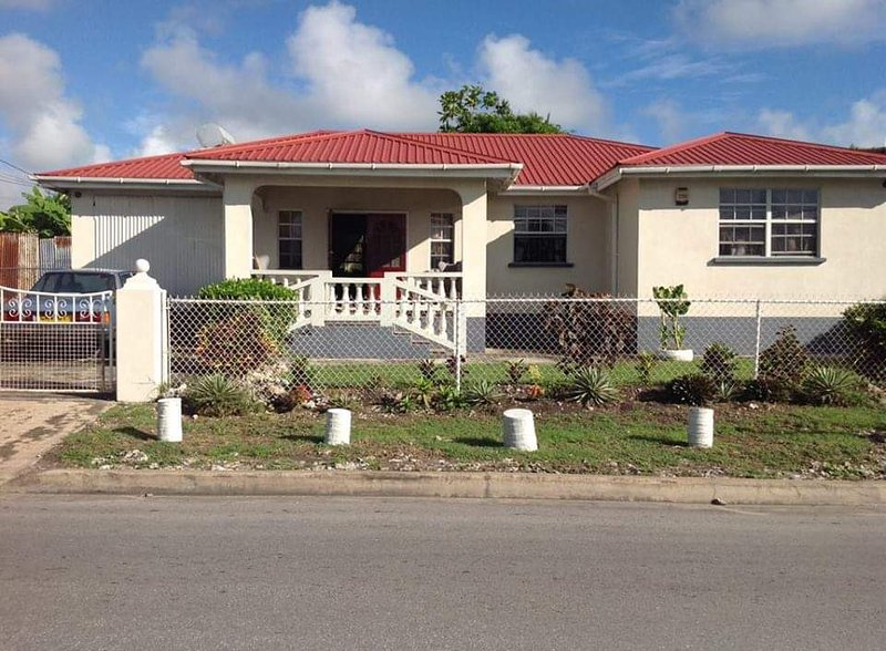 Chandlers Villa  Home stay Room Only  Rock Hall St Philip Barbados, Ferienwohnung in Bridgetown