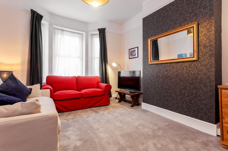 Newly Refurbished Gorgeous Town Centre Apartment, alquiler vacacional en Bournemouth
