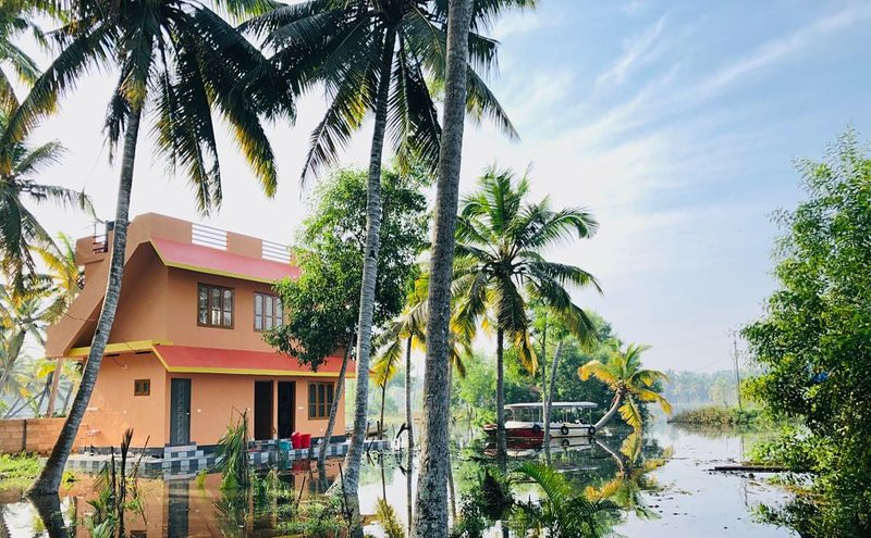 Poovar stay with boating, vacation rental in Kanyakumari District