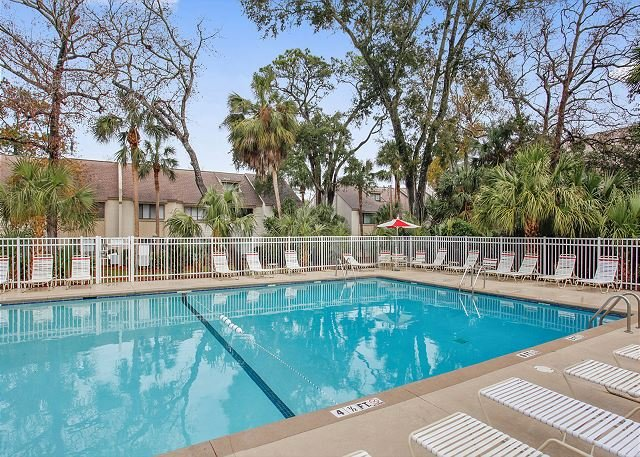 Island House Pool - Courtside Units Have Access