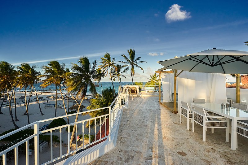 PENTHOUSE SUITE ON THE BEACH FOR THE DISCRIMINATING TRAVELLER, vacation rental in Bavaro