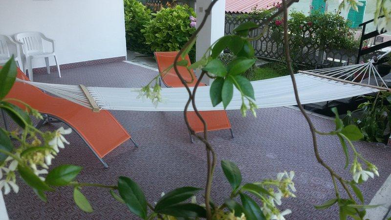 Ca' Madrina, CASA VACANZE NEL VERDE DELLE COLLINE, vacation rental in Camino