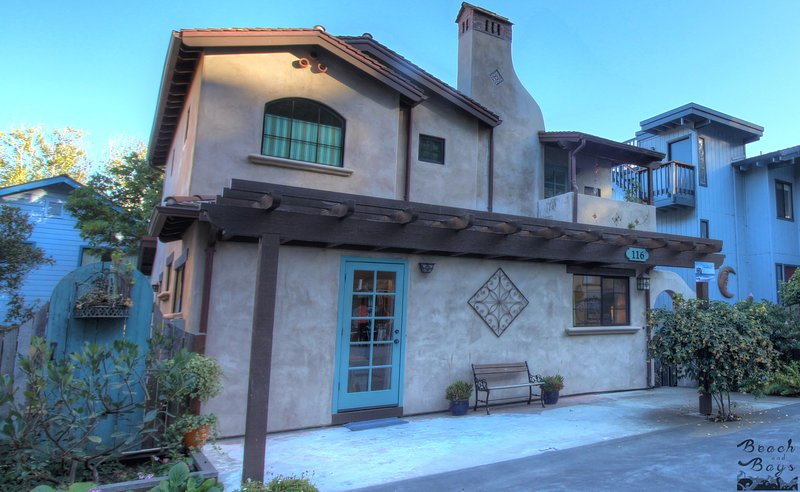 Spectacular Aptos Home / Steps From Beach / Clean!, holiday rental in Soquel