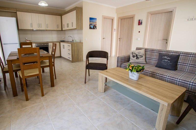 Nijay Apartments No 2 First Floor Front Quiet Location, vacation rental in Spartochori