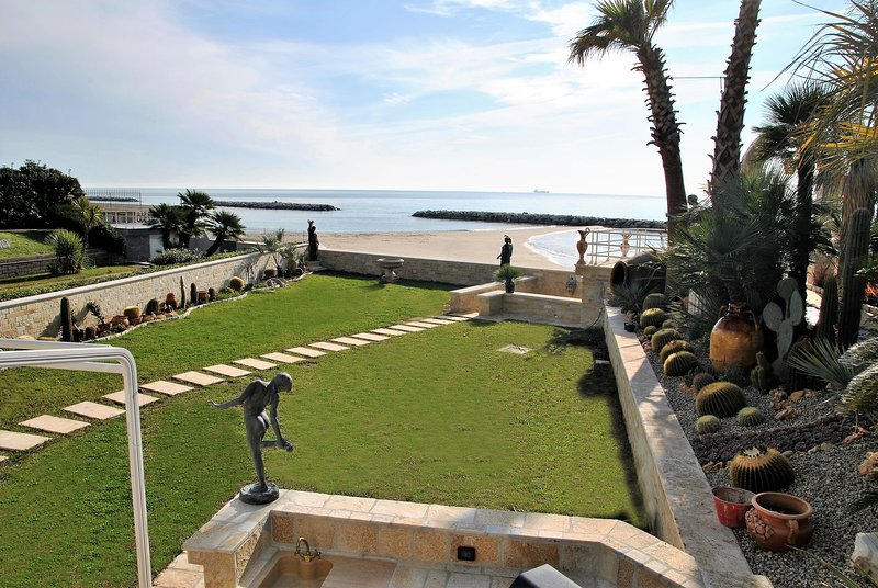 Location maison pour 12 personnes pres de la plage, holiday rental in Castellonorato