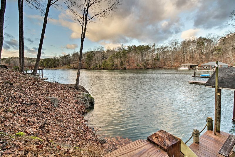 This 2,700-square-foot home is nestled along the shores of Smith Mountain Lake.