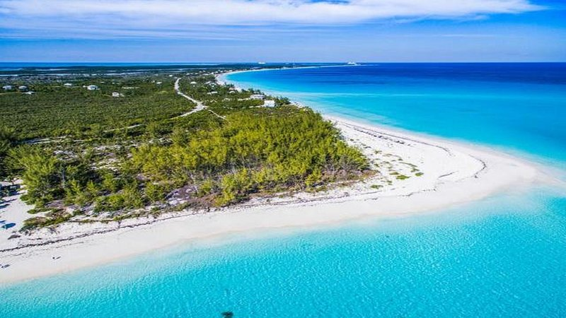 New and now available, updated marina villa located on Great Harbor Cay, holiday rental in Great Harbour Cay