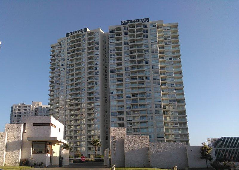 Apartamento Marina Horizonte II en La Serena, playa y casino Enjoy, holiday rental in La Herradura