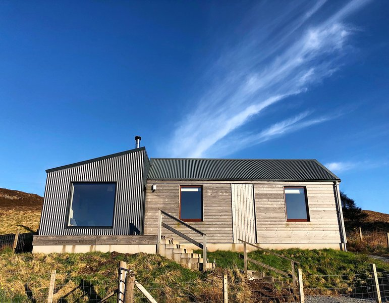 Cnoc Ard Self Catering cottage with stunning views. Isle of Skye, Ferienwohnung in Dunvegan