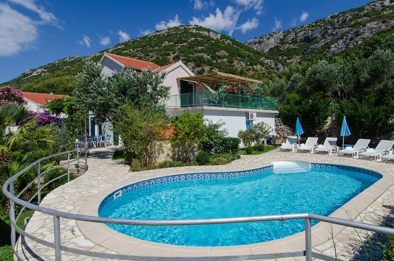 Anita - with pool : H(8+2) - Viganj, location de vacances à Viganj