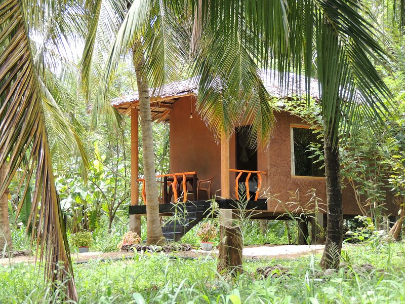 Milk House Cottage, holiday rental in Embilipitiya