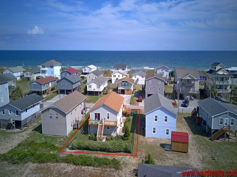 Great Island Location with Short Stroll to Beach