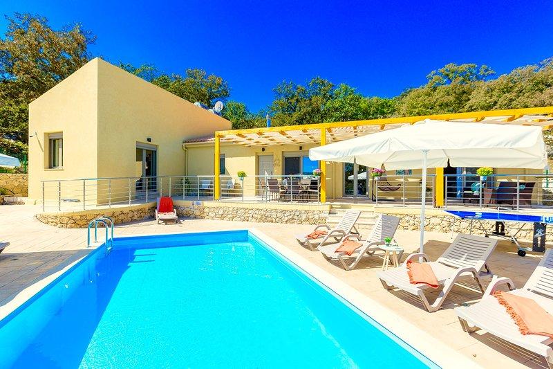 Villa Themis, holiday rental in Kastellos