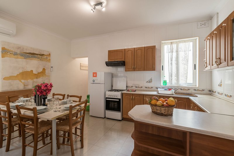Fully Equipped Kitchen and Dining-Room