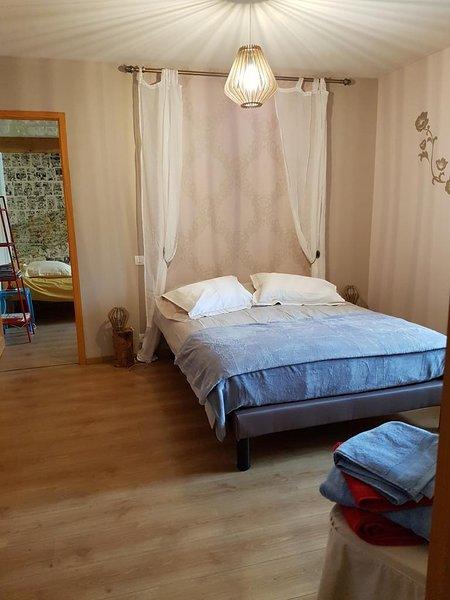 chambre d'hôtes fleur de lys, holiday rental in Saint Seurin de Palenne