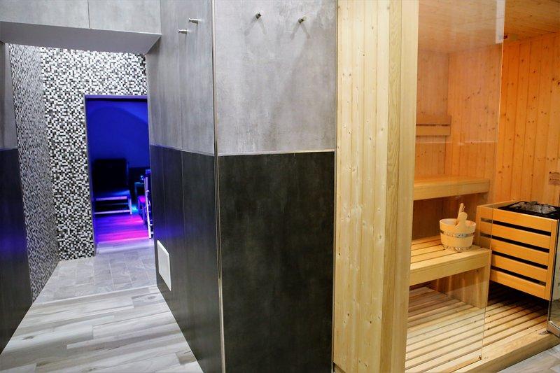 AREA RELAX interna alla struttura con sauna finlandese