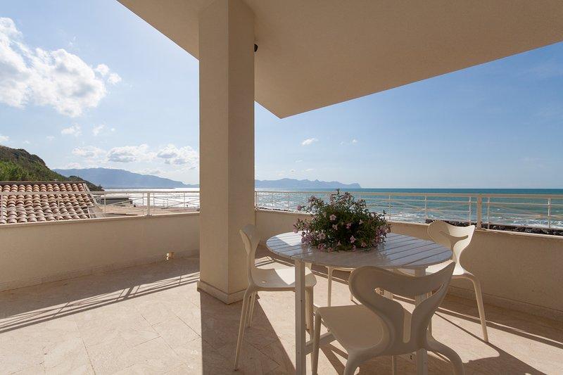 Mare di sicilia, holiday rental in Trappeto