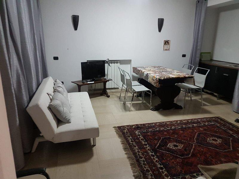 House Eur, holiday rental in Castel di Leva