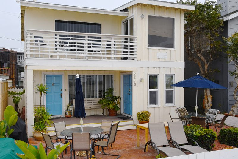 QUAINT 1.5 BR RIGHT ON THE BEACH SOUTH MISSION, holiday rental in San Diego