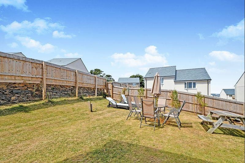 4 bed family home - Close to beach Preview listing View calendar, holiday rental in Perranporth