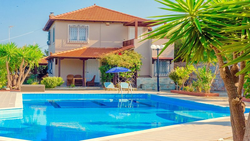 Villa Teresa, holiday rental in Mononaftis