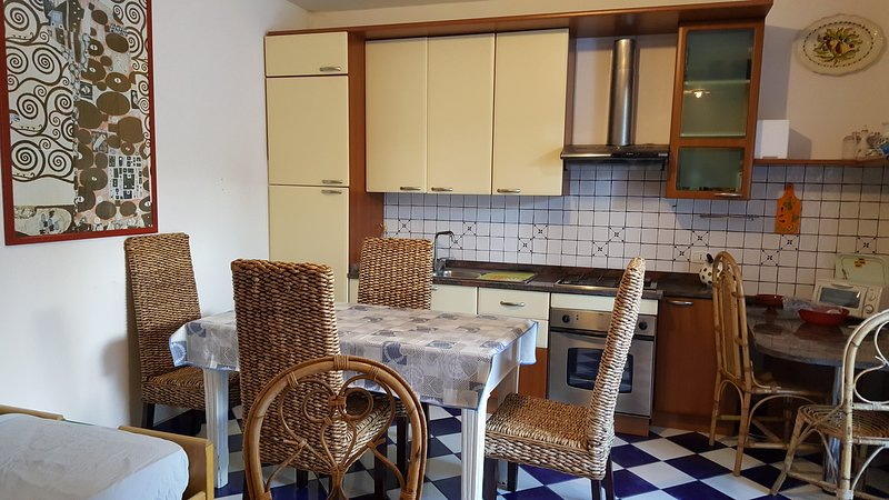 Amazing apartment near the beach, casa vacanza a Sonnino