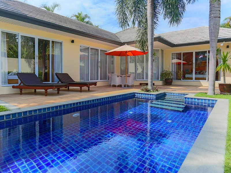 5 Islands 2 bedroom Poolvilla very close to beach (free Wifi), location de vacances à Lipa Noi