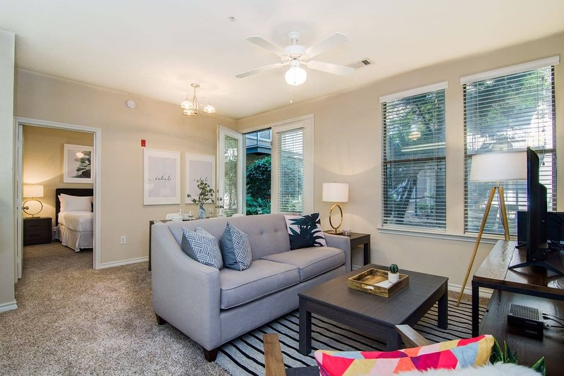 Heart Of Downtown Memphis! Sleeps 6!, vacation rental in Southaven