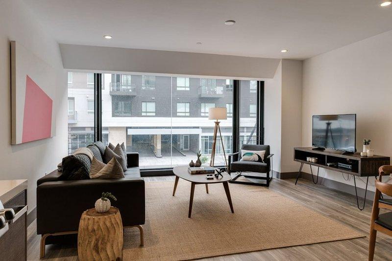 modern spacious 2 bedroom dtla has wi fi and cable satellite tv rh tripadvisor com