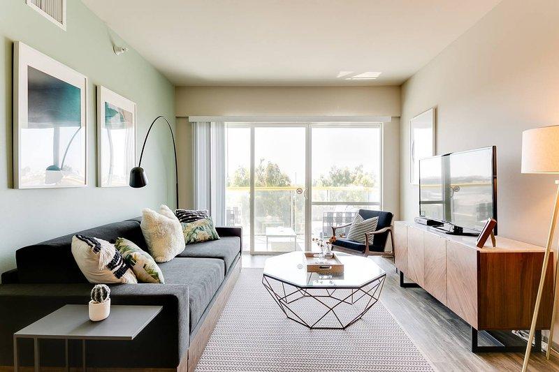 Bright Designer Apartment with Sunset Views, aluguéis de temporada em Marina del Rey