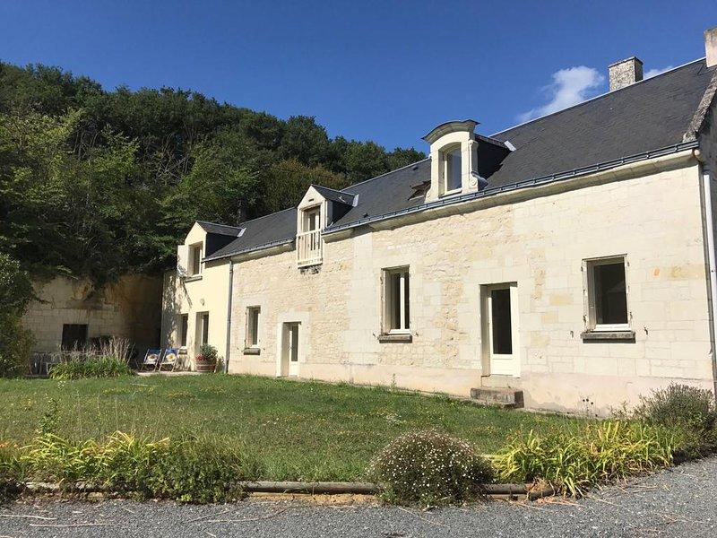 Chateau Pas de Loup Farmhouse, vacation rental in Berrie