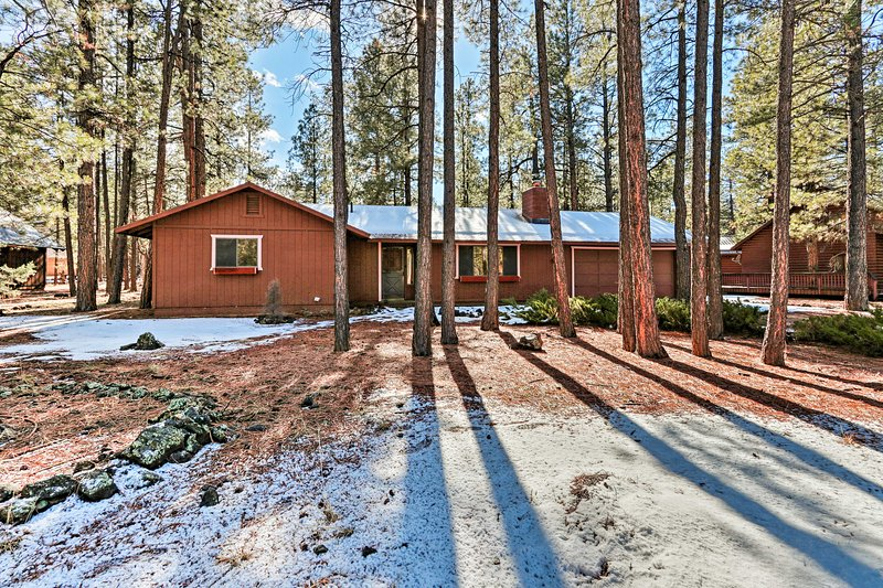 Gather your family and head to this cabin in Pinetop for a perfect retreat!
