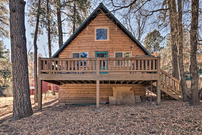 Book your next Cloudcroft getaway to 'Sherwood Cabin' vacation rental!