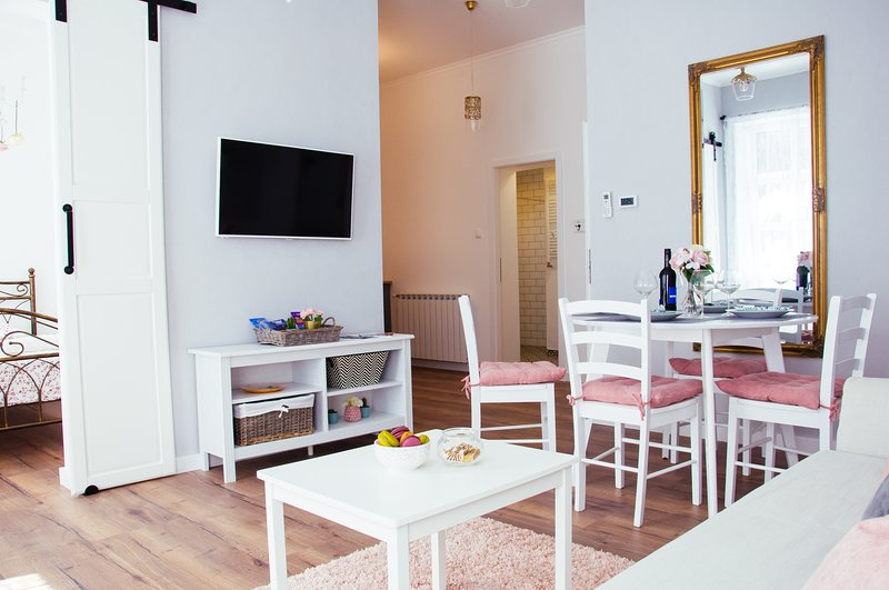 Servus Zagreb Apartment, vacation rental in Zagreb