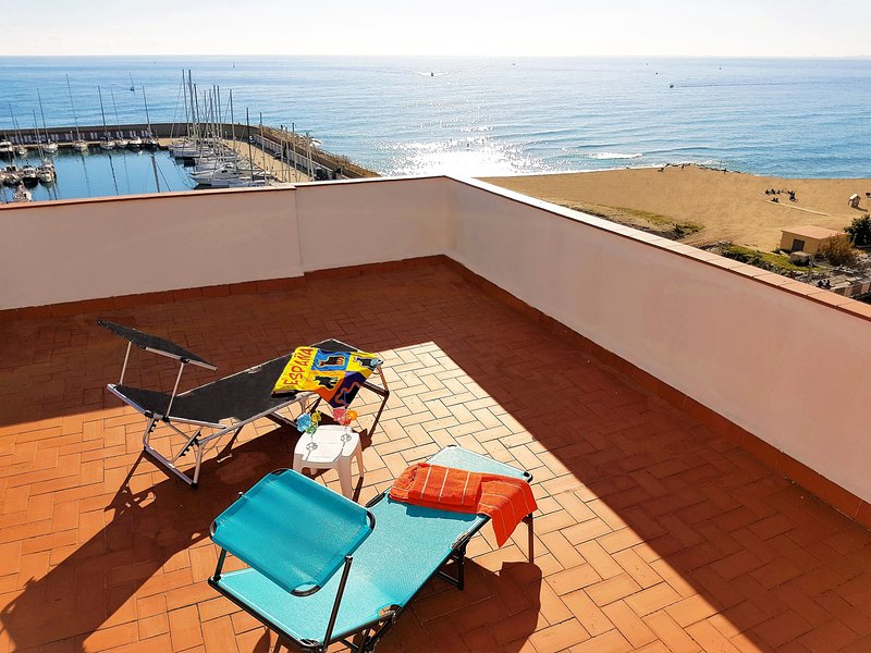 MARINA PORT & BEACH-apartment, vacation rental in Alella