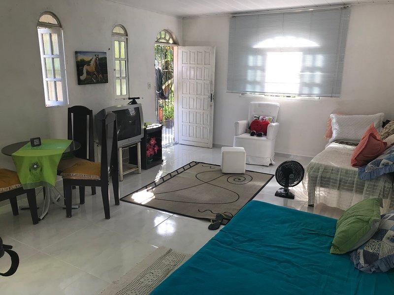 Casa temporada mobiliada- Balneário ponta da fruta, location de vacances à État d'Espírito Santo