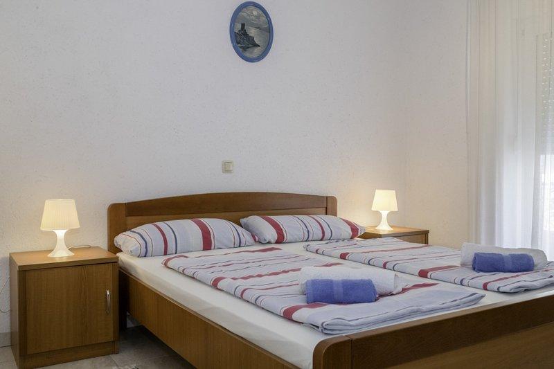 Ferienwohnung 4612-1 für 2+1 Pers. in Lopar, holiday rental in Lopar