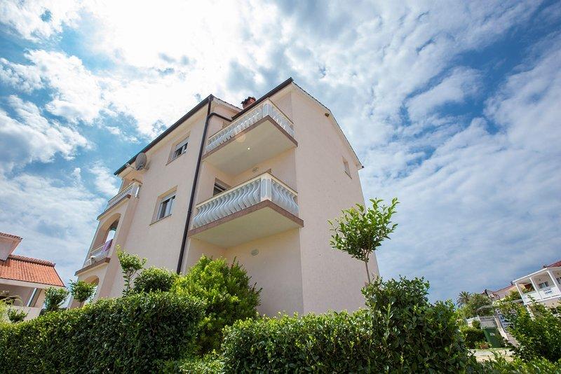 Ferienwohnung 4619-1 für 4+1 Pers. in Lopar, holiday rental in Lopar