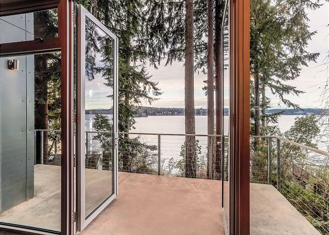 Pet-Friendly Home on Bainbridge Island Bay, location de vacances à Bainbridge Island
