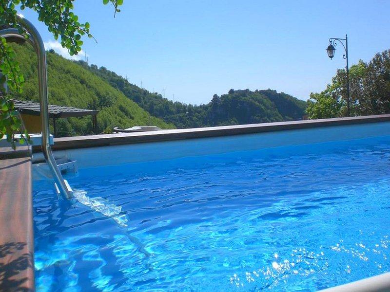 Ticciano Villa Sleeps 14 with Pool Air Con and WiFi - 5737723, vacation rental in Arola-Preazzano