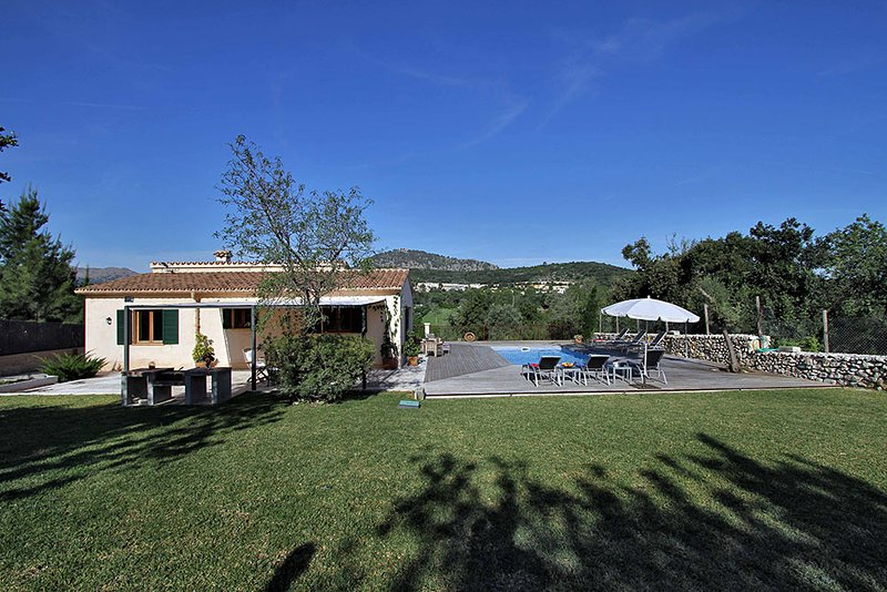 Pollenca Villa Sleeps 6 with Pool Air Con and WiFi - 5737765 Chalet in Puerto Pollensa